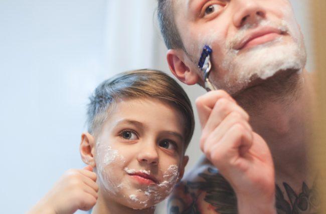 3 hábitos para se tornar um exemplo financeiro para seu filho